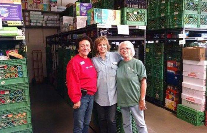 foothills food bank volunteers