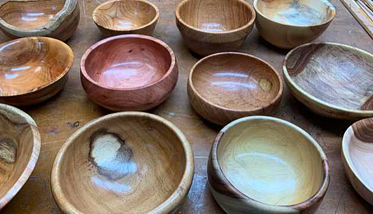 arizona woodturners donates wooden bowls for empty bowls project